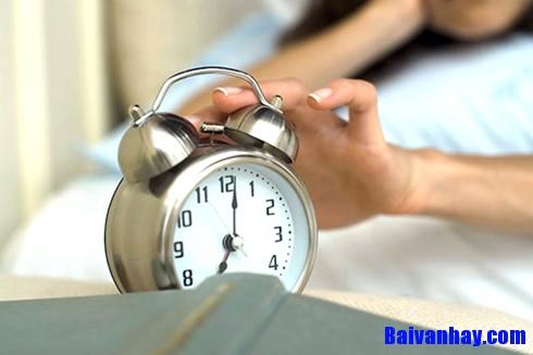 Tả cái đồng hồ báo thức