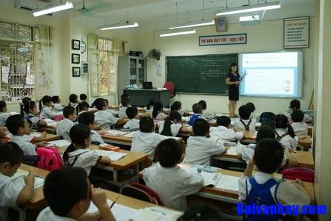 Tả tấm bảng của lớp em đang học